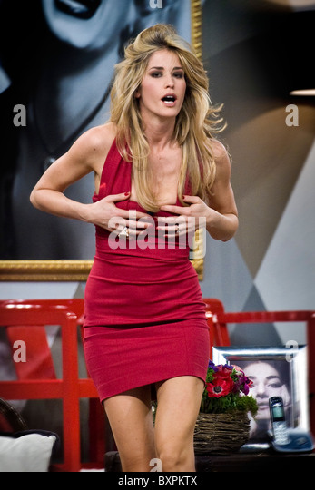 Elena Santarelli Nude Photos 24