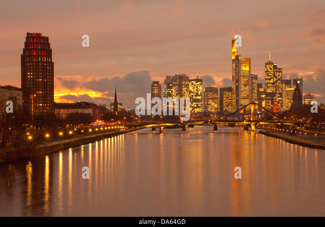 river main at night stock photos river main at night stock images alamy. Black Bedroom Furniture Sets. Home Design Ideas