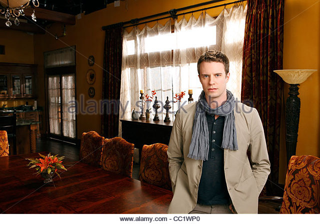 luke mably actor
