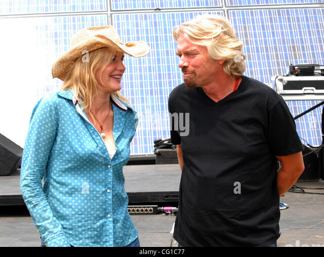richard branson and the virgin group of companies in 2007 279 despite celebrating his 57th birthday at the beginning of 2007, richard branson showed no signs of flagging energy or the entrepreneurial vigor.