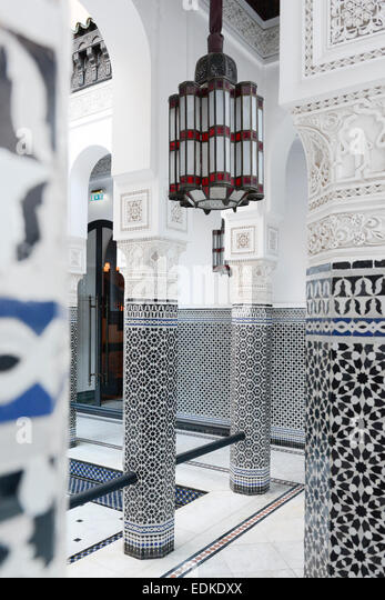 tile moroccan stock photos & tile moroccan stock images - alamy