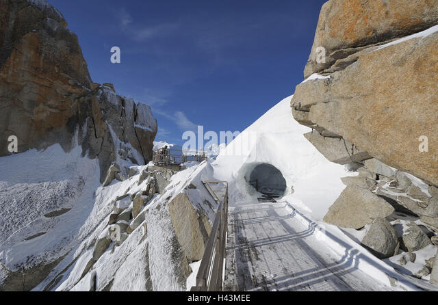 mont blanc tunnel stock photos mont blanc tunnel stock images alamy. Black Bedroom Furniture Sets. Home Design Ideas