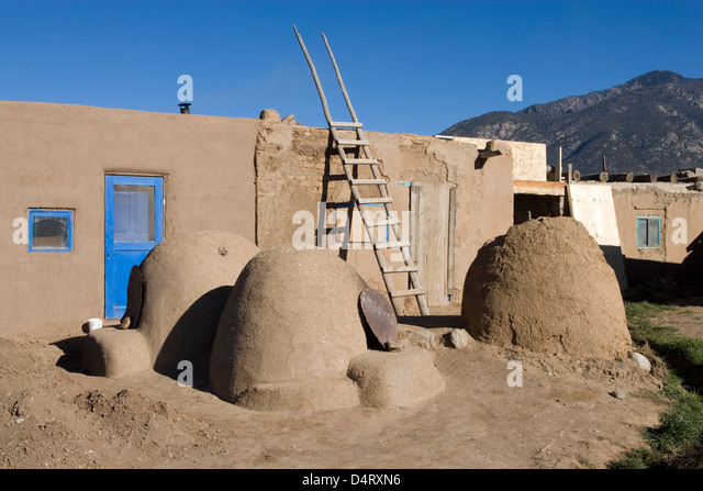 Hornos stock photos hornos stock images alamy for Adobe construction pueblo co