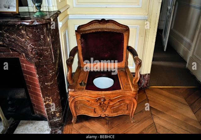 Paris, France - Antique Furniture inside French Monuments, 'Chateau de  Breteuil', - Toilet Chair Stock Photos & Toilet Chair Stock Images - Alamy