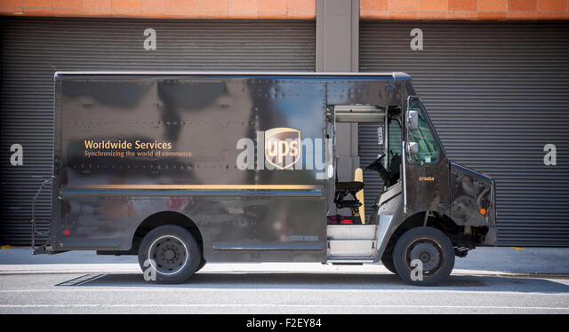 Ups Delivery Truck 2015