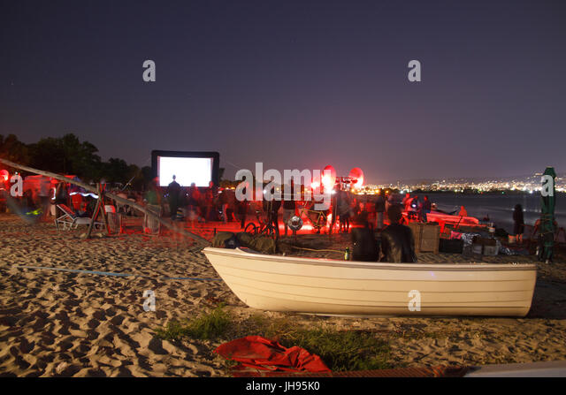 CINEMA ON THE BEACH AT NIGHT - Stock Image