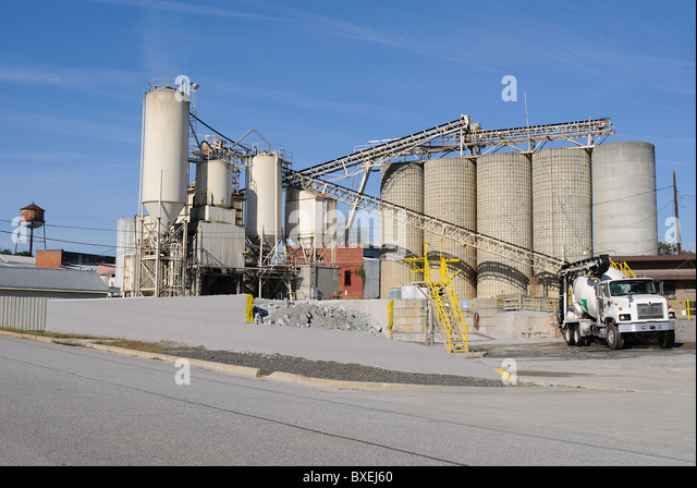 Cement Loading Plant : Loading silo stock photos images alamy