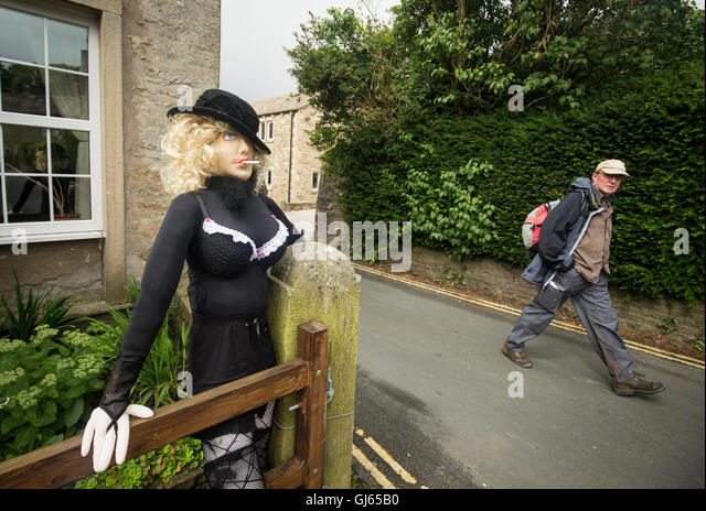 Cake Decorating Upper Hutt : Kettlewell Scarecrow Festival Stock Photos & Kettlewell ...