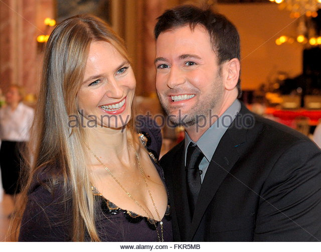 US tenor Terry Barber (R) and British clarinetist Lone Madsen (L) pose ...