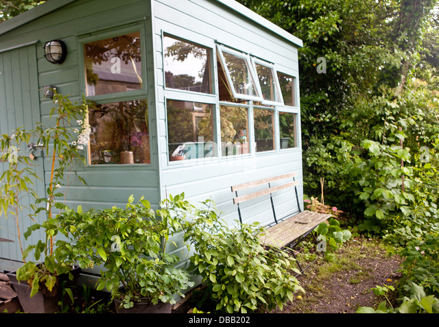 Garden Shed And Seat Stock Photos Amp Garden Shed And Seat Stock Images Alamy