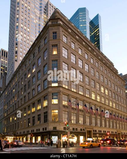 Saks Fifth Avenue Store: Saks Fifth Avenue Stock Photos & Saks Fifth Avenue Stock