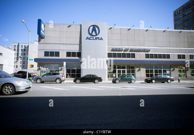 Automobile industry japan stock photos automobile for Honda dealership hours