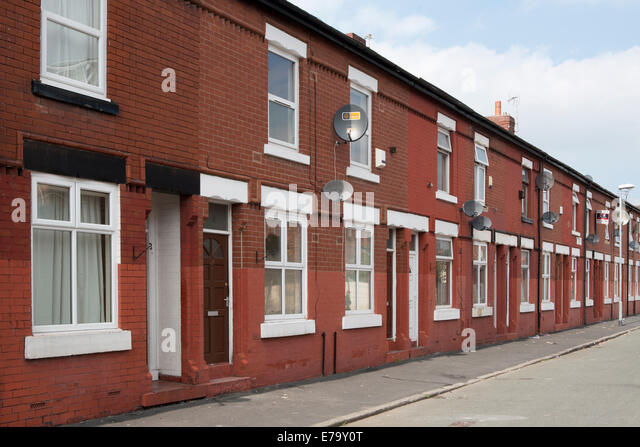 Terraced houses northern england stock photos terraced for Terrace nq manchester