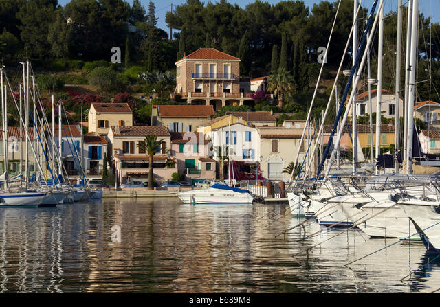 Near toulon stock photos near toulon stock images alamy for Restaurant st mandrier