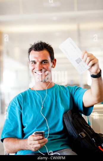 how to get boarding pass at airport