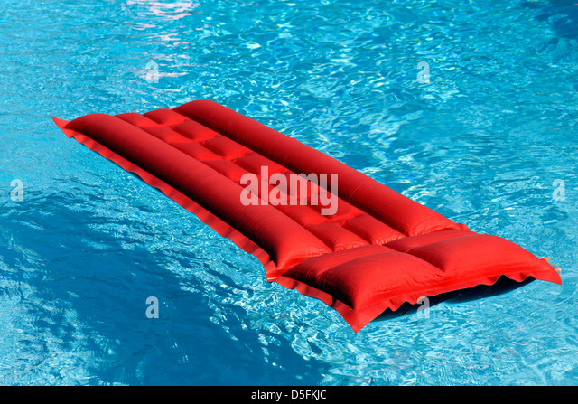 Lilo bed stock photos lilo bed stock images alamy for Swimming pool bed