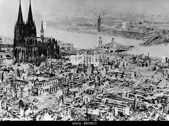 Allied bombing stock photos allied bombing stock images for Koln ww2