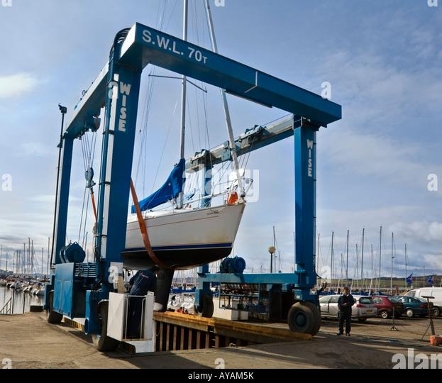 Boatyard hoist stock photos boatyard hoist stock images for Boat lift motors near me