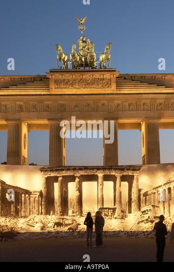 berlin brandenburg gate blow up stock photos berlin brandenburg