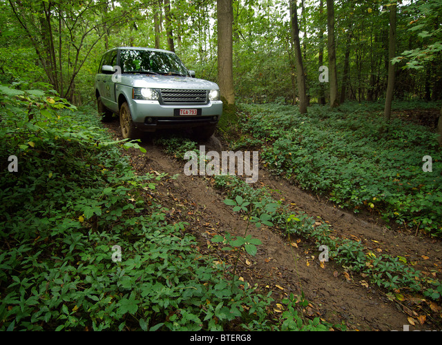 New Range Rover Sport Salisbury >> Green Range Rover Stock Photos & Green Range Rover Stock Images - Alamy