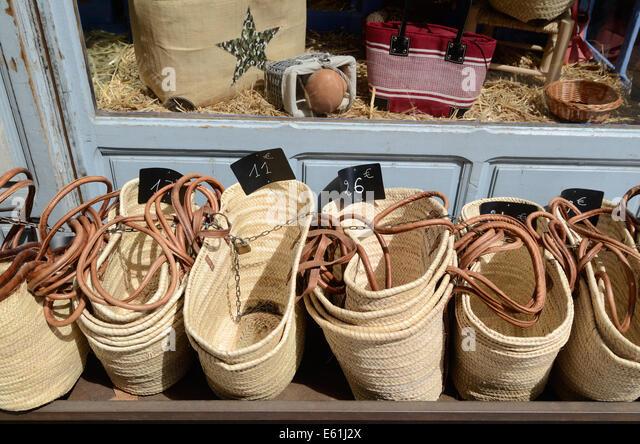 Shopping Baskets Stock Photos & Shopping Baskets Stock Images - Alamy