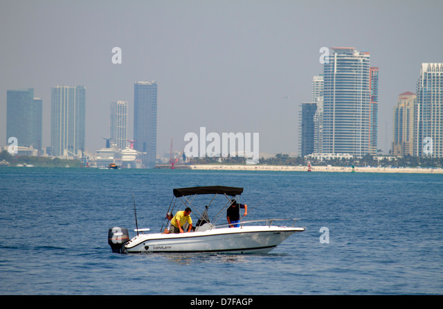 Boating miami stock photos boating miami stock images for Ocean city deep sea fishing
