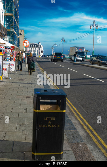 Litter bin uk gb stock photos litter bin uk gb stock images alamy - Rd rubbish bin ...