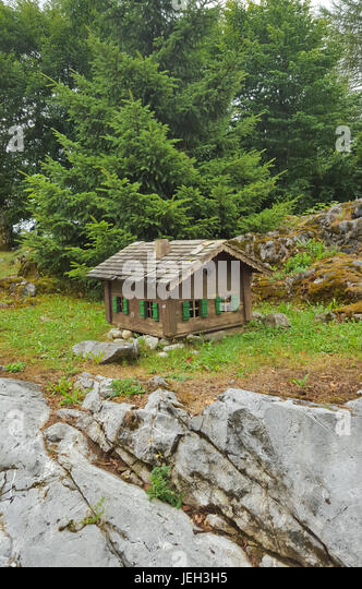 Isolated cabin stock photos isolated cabin stock images for Cabin in the woods oregon