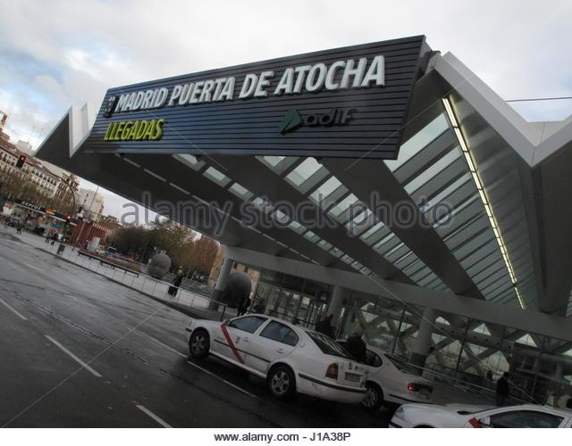 Locomotives cab stock photos locomotives cab stock images alamy - Puerta de atocha ave ...