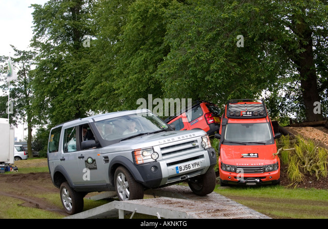 land rover discovery 4x4 on stock photos land rover. Black Bedroom Furniture Sets. Home Design Ideas