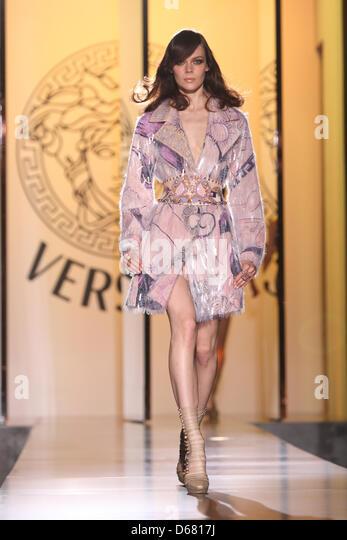 Italian Designer Donatella Versace Stock Photos & Italian ...