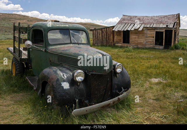 Deserted Town Car Stock Photos Amp Deserted Town Car Stock Images Alamy