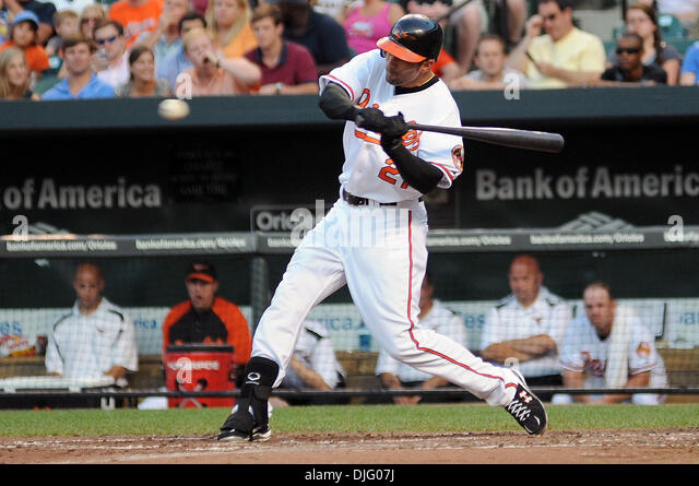 448116f78 ... 30 June 2010 Baltimore Orioles right fielder Nick Markakis (21) swings  at a ...