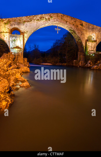 Cangas De Onis Stock Photos & Cangas De Onis Stock Images - Alamy