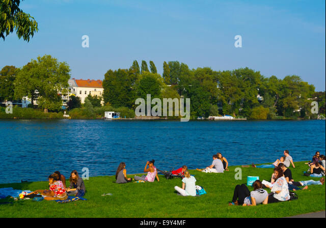 treptow park spree park berlin stock photos treptow park spree park berlin stock images alamy. Black Bedroom Furniture Sets. Home Design Ideas