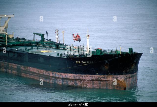 Sea Empress Oil Spill Stock Photos & Sea Empress Oil Spill Stock ...