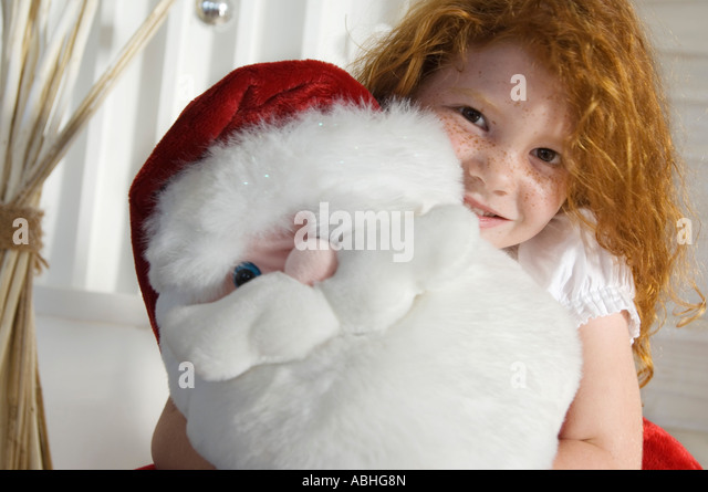 Little Girl Thinks Man Is Santa Claus, He Rolls With It Like A Champ