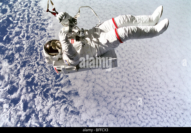 astronaut untethered space walk - photo #22