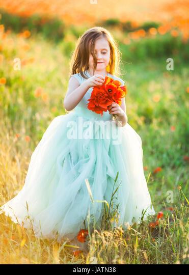 Poofy Dress Stock Photos & Poofy Dress Stock Images - Alamy