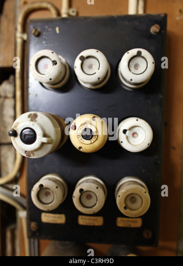 an old fuse box c3rh9d old fuses fuse box stock photos & old fuses fuse box stock images how to reset old fuse box at bayanpartner.co