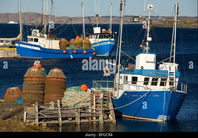 Crab fishing boats stock photos crab fishing boats stock for Crab fishing boat