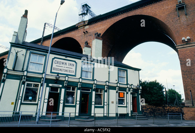 Stockport viaduct stock photos stockport viaduct stock for Cheshire bridge motor inn
