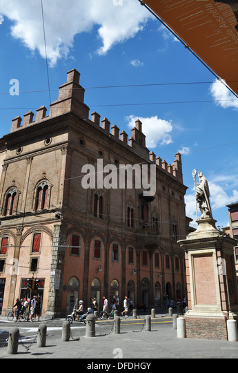 Bologna france stock photos bologna france stock images - Piazza di porta saragozza bologna ...