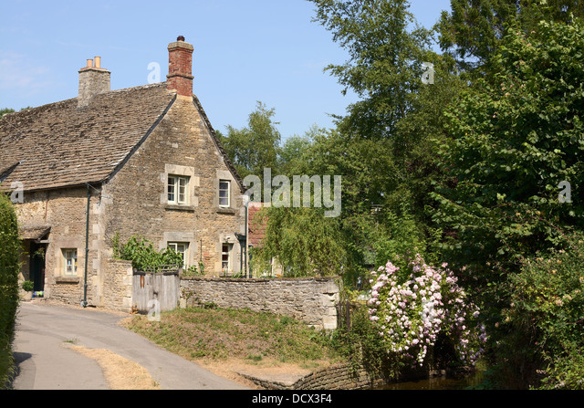 English country stone cottage stock photos english for Pictures of english country cottages