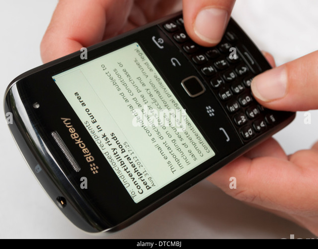 ADVANTAGES     BlackBerry provides email accessing facility with its wireless  extension  Network World com