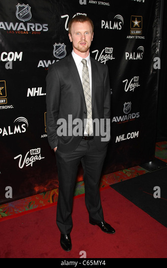 henrik sedin in attendance for the 2010 nhl awards the pearl theater at the palms