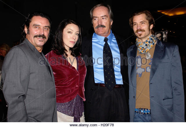 powers boothe wife