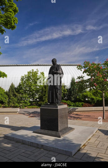 Bronze Statue Of The Botanist Brother Marie Victorin (1885 1944) Conrad  Kirouac