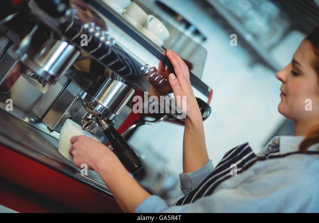 Mess, serve machine grinder single espresso with the notable advantages