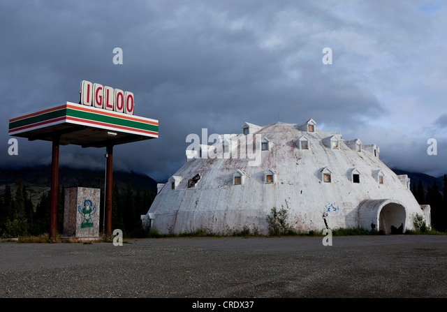Old Igloo Hotel With An Old Gas Station At A Roadside In Denali National  Park,